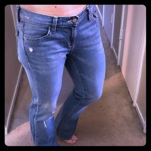 """Old Navy """"Diva"""" distressed jeans"""